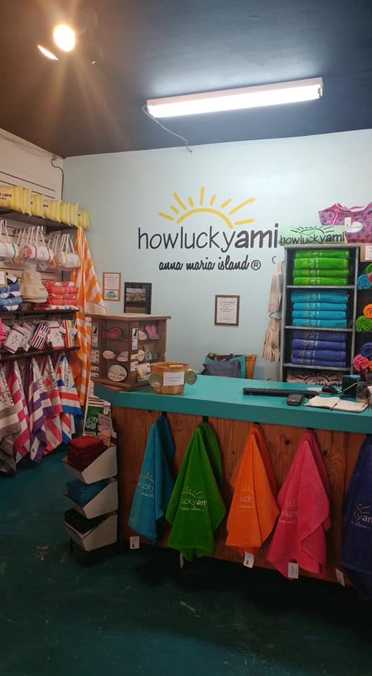 howluckyami boutique on anna maria island